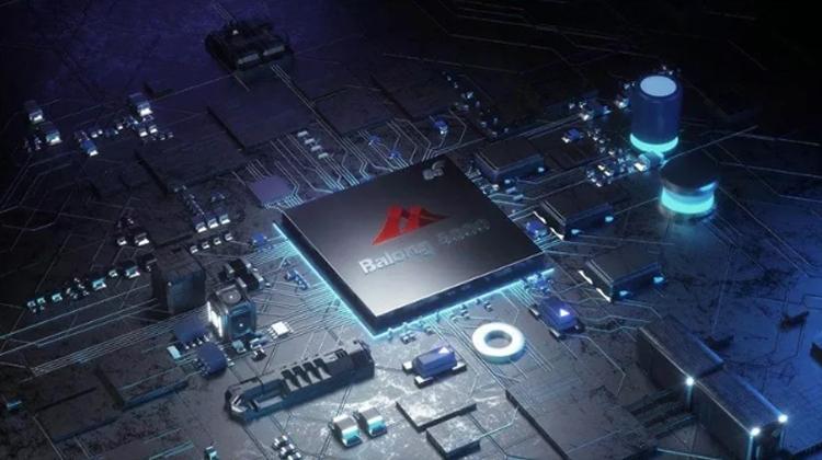 """Huawei создала первый в отрасли 5G-модуль для подключённых автомобилей"""""""