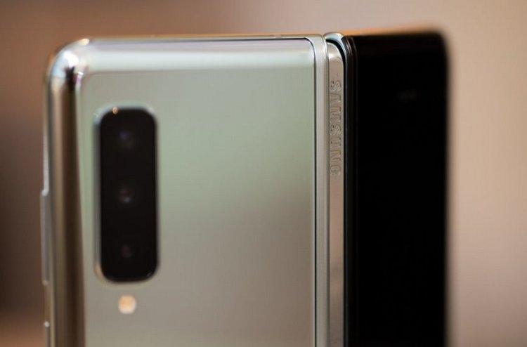 """iFixit назвала возможные причины проблем с дисплеем Galaxy Fold [Обновлено]"""""""