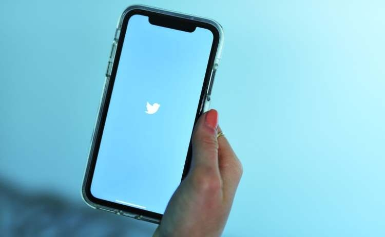 """Twitter продолжает бороться с фальшивыми новостями"""""""