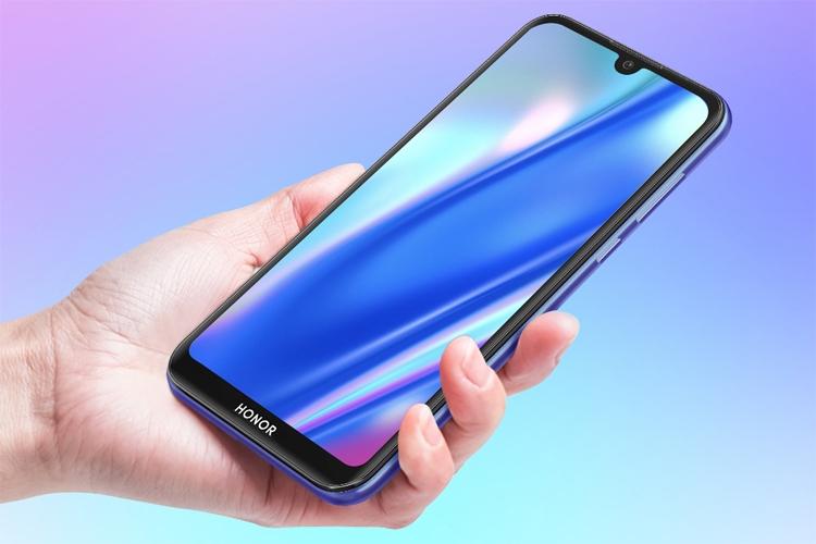 """В России представлен смартфон Honor 8S за 8490 рублей"""""""
