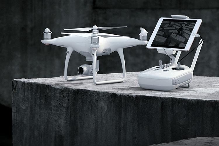 """DJI отрицает, что прекратила развитие своих культовых дронов Phantom"""""""