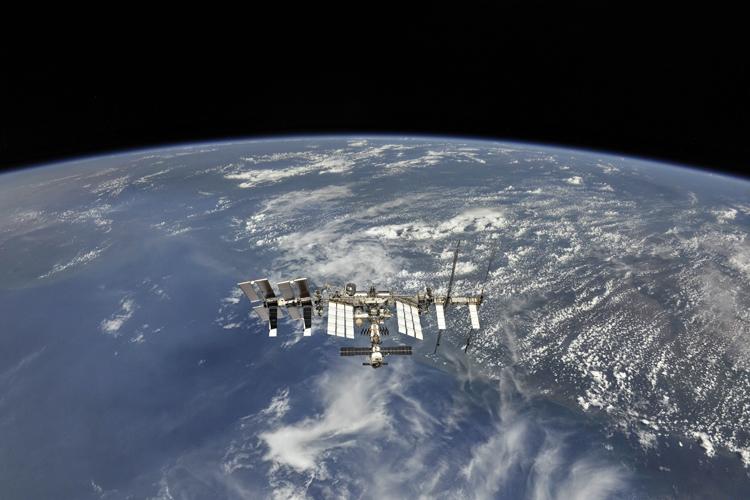 """Система Роскосмоса поможет оградить МКС и спутники от космического мусора"""""""