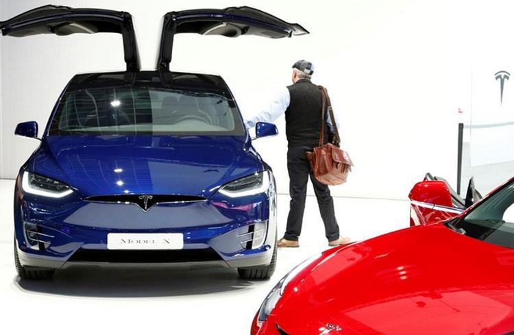 """Tesla испытывает глобальную нехватку минералов для изготовления аккумуляторов"""""""
