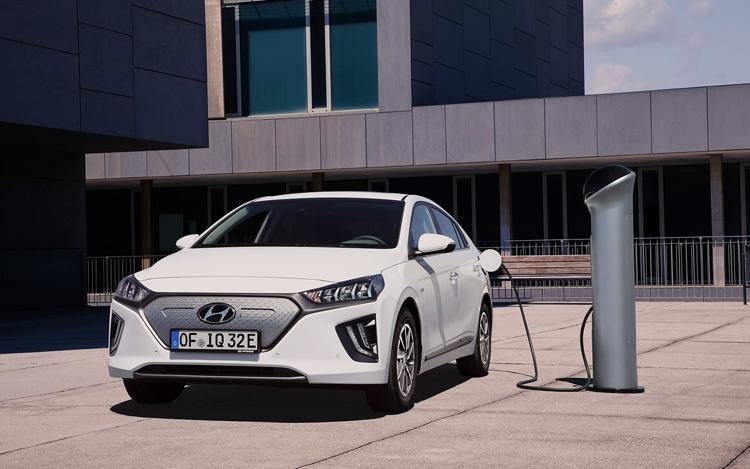 "Hyundai увеличила ёмкость батареи электрокара Ioniq на треть"""