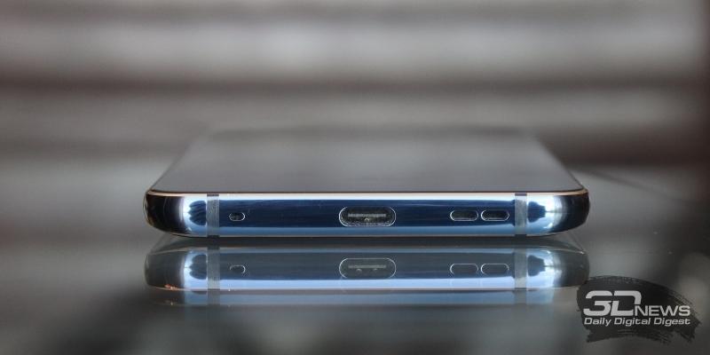 Nokia 9 PureView, нижняя грань: микрофон, порт USB Type-C и основной динамик
