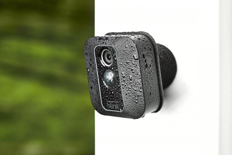"""Смарт-камера видеонаблюдения Amazon Blink XT2 проработает два года от батарей АА"""""""