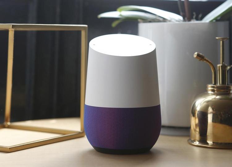 "Amazon Alexa и Google Assistant в 2019 году сравняют доли на рынке смарт-динамиков"""