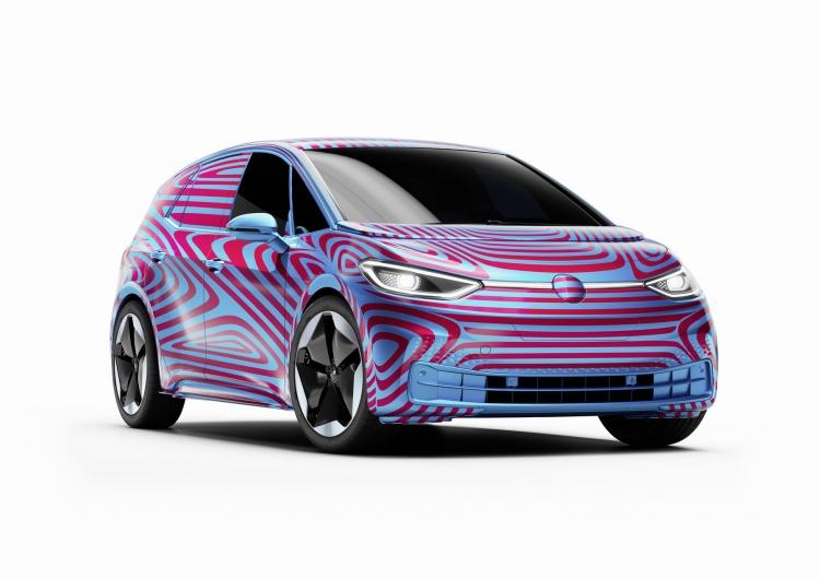 """За 24 часа число предзаказов на электрический хэтчбек Volkswagen ID.3 превысило 10 000"""""""