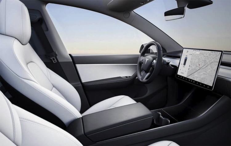 """Кроссовер Tesla Model Y впервые показался на общественных дорогах"""""""