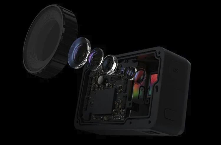 "DJI Osmo Action: спортивная камера с двумя дисплеями за $350"""