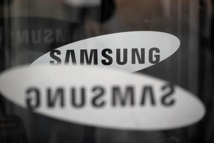"""Samsung представит «самый креативный смартфон»"""""""