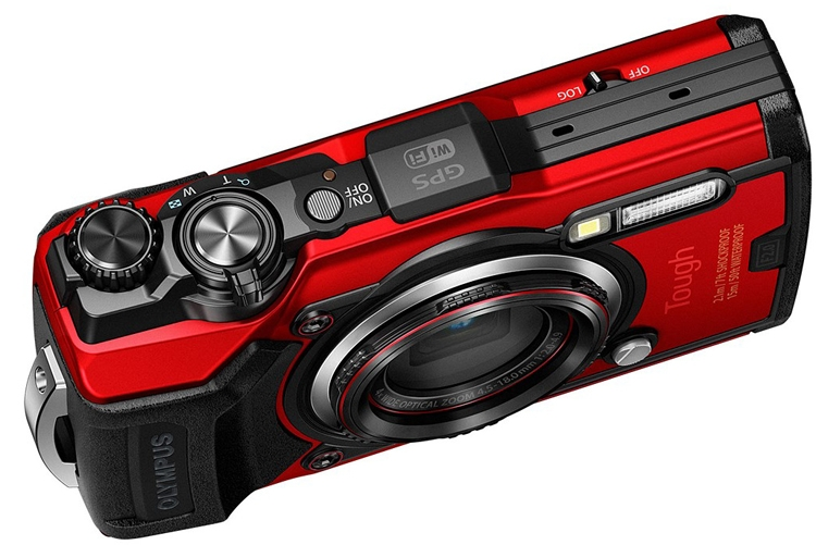 "Фотокамера Olympus TG-6 не боится погружений под воду на глубину до 15 метров"""