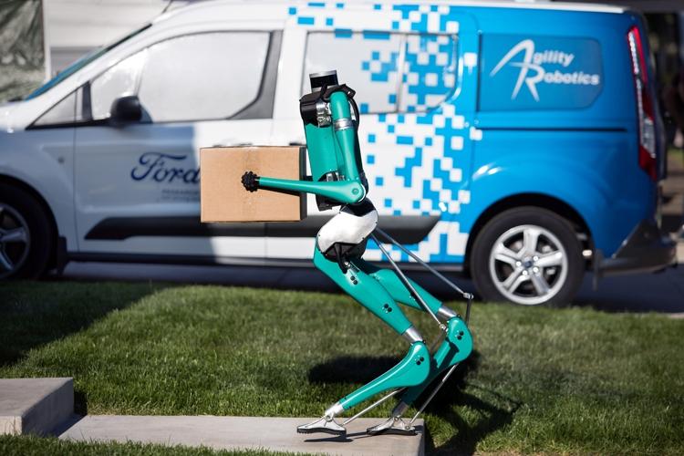 """Двуногий робот Ford Digit доставит товары до двери дома"""""""