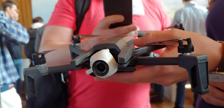 """Parrot создаст прототип разведывательного беспилотника для Пентагона"""""""