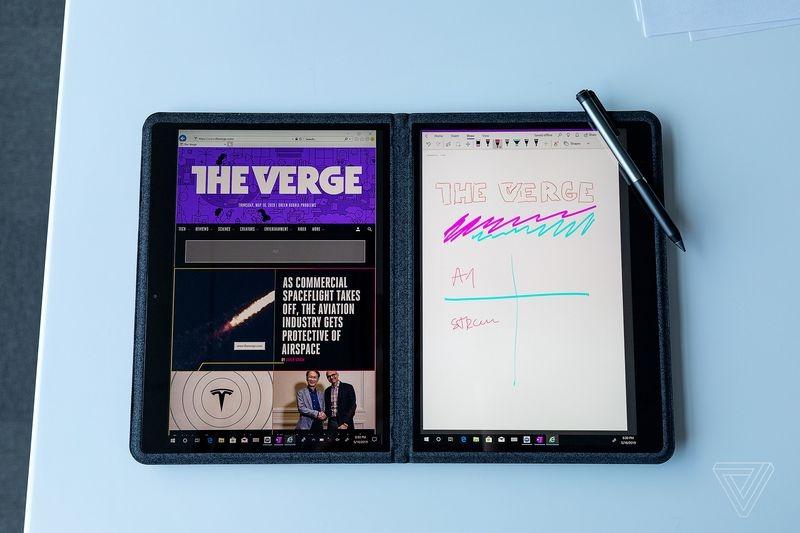 "Intel Twin River — прототип двухэкранного ноутбука в текстильном корпусе"""