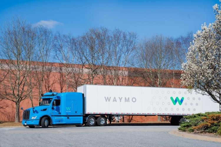 """Waymo возобновила тестирование автономных грузовиков в штате Аризона"""""""