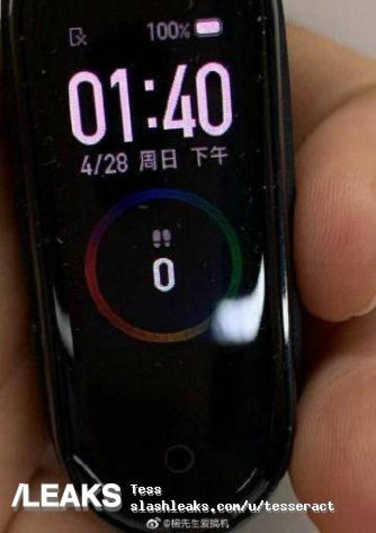 """Фитнес-трекер Xiaomi Mi Band 4 показался на фотографиях"""""""