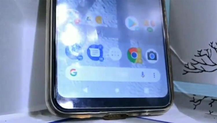 """Смартфон Google Pixel 4 с двумя двойными камерами замечен в «дикой природе»"""""""