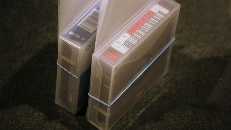 "Спор между Sony и Fujifilm спровоцировал нехватку лент LTO-8: под угрозой архивация фильмов"""