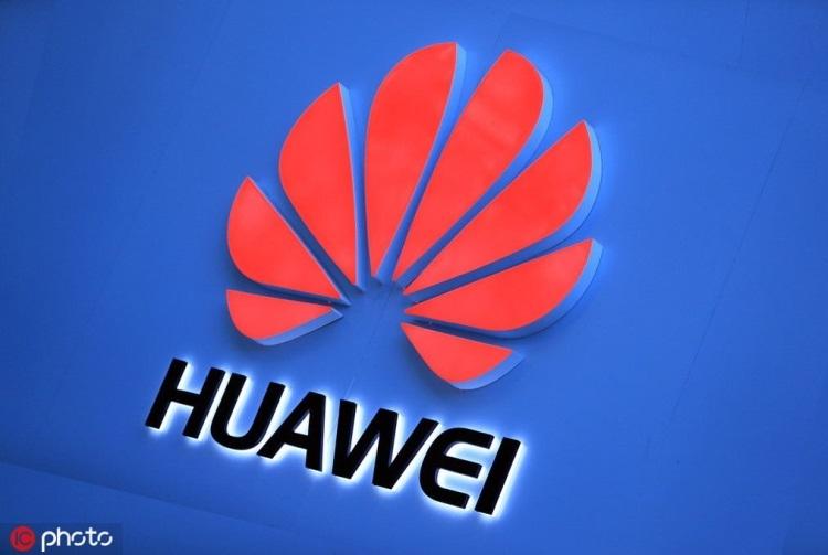 """Huawei выпустила миллион смартфонов с собственной ОС"""""""