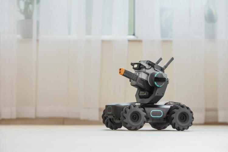 """Новый продукт DJI — это танк стоимостью $500 для обучения детей программированию"""""""