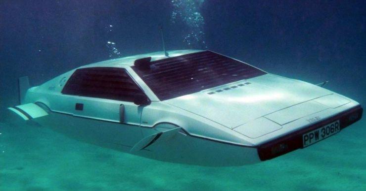 """Илон Маск вдохновился идеей создания машины, способной погружаться под воду"""""""