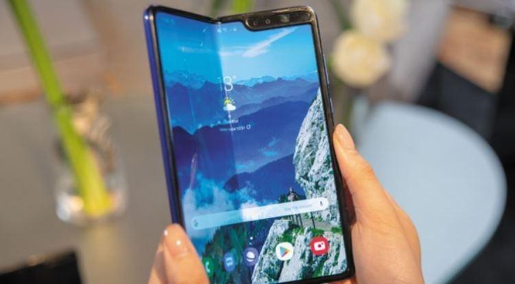 """Релиз смартфона Samsung Galaxy Fold не состоится в июле"""""""