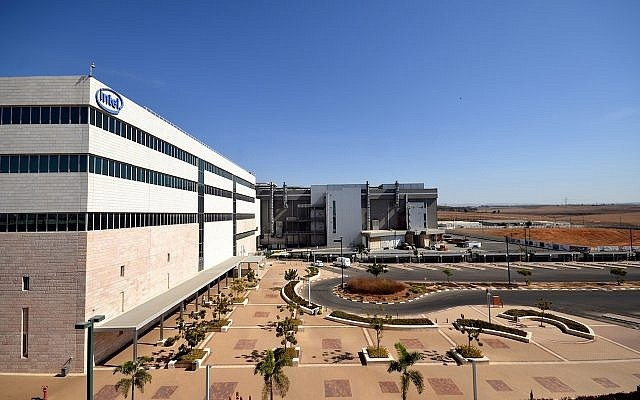 """Intel не торопится расширять производственные мощности в Израиле"""""""
