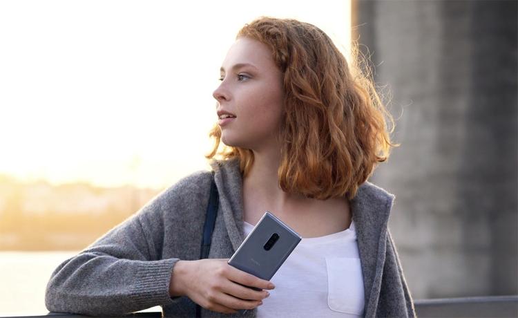 """Sony выпустит новый смартфон Xperia с тройной камерой"""""""