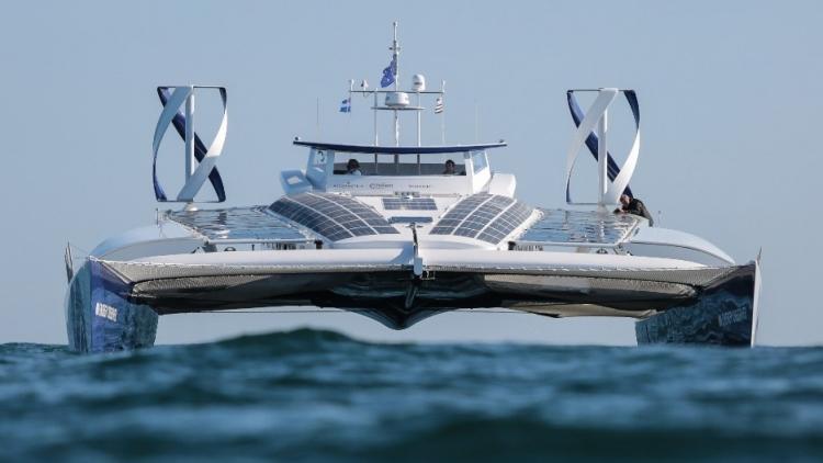 Energy Observer, первое в мире судно на водородных топливных элементах.