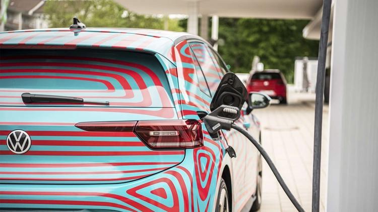 """В Volkswagen рассказали о характеристиках аккумуляторов для электрокаров"""""""