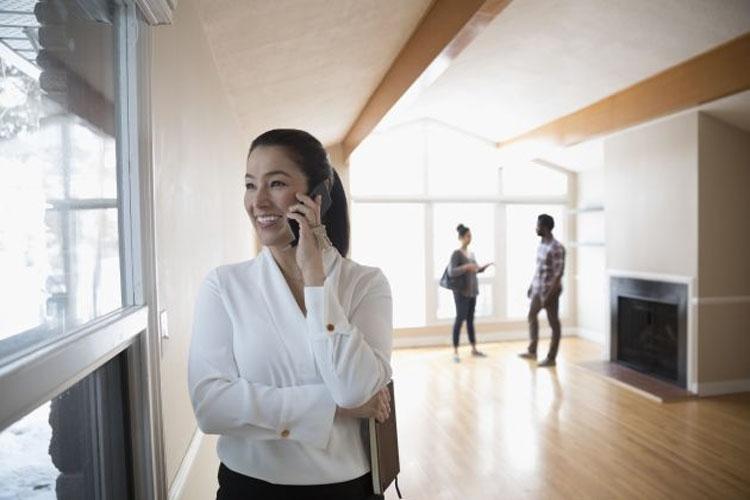 Средняя зарплата работника по обработке ипотечных займов лежит в диапазоне от $33 000 до $55 000 в год.
