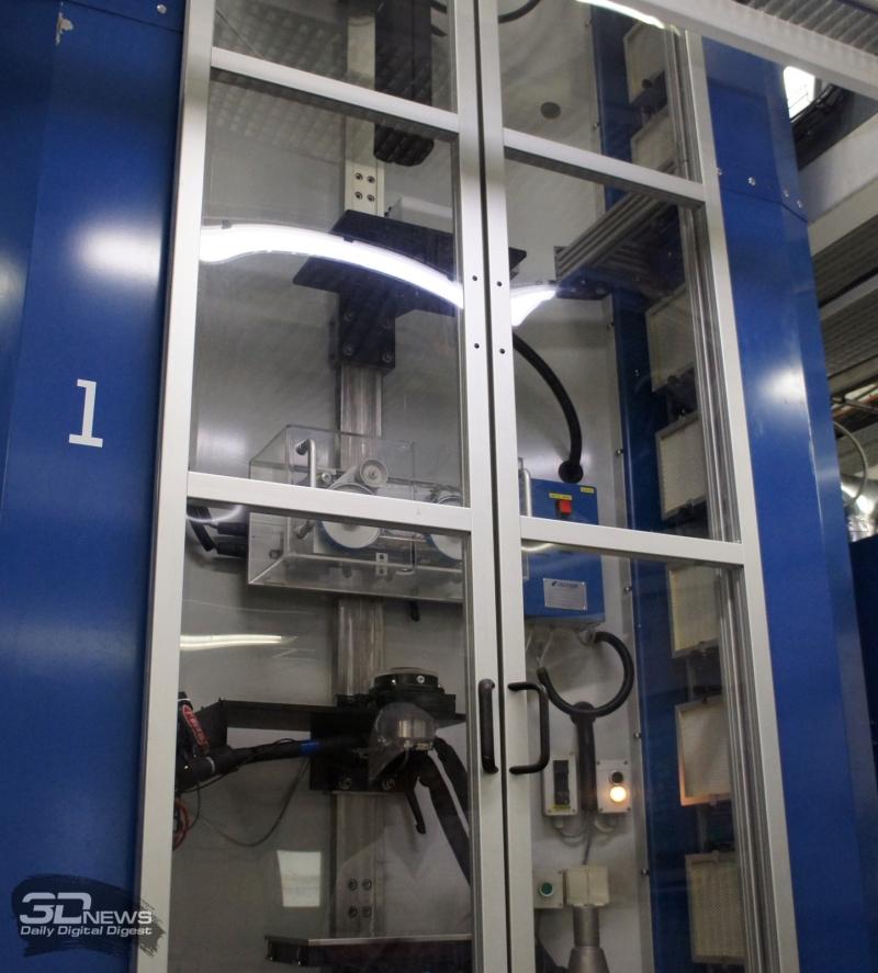 Герметичный «шкаф» тянется сквозь этажи