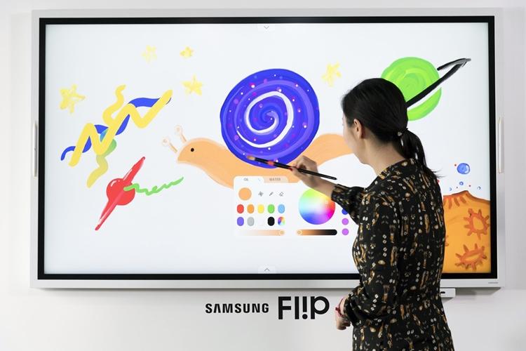 """2019 Samsung Flip: интерактивная доска для бизнеса"""""""