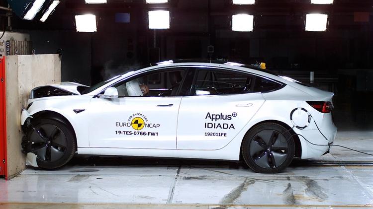 """Tesla Model 3 получил рекордно высокую оценку Euro NCAP"""""""