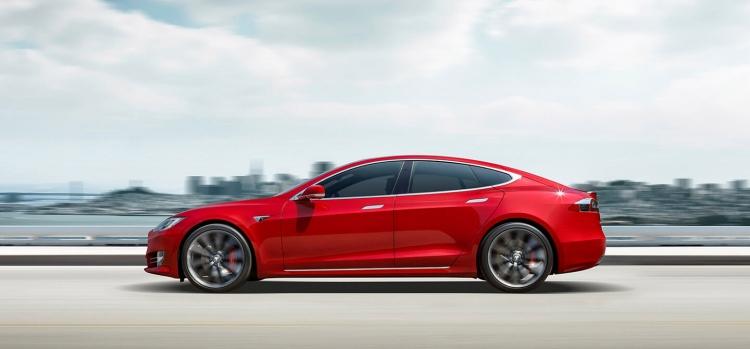 """Илон Маск опроверг слуги о выходе обновлений Tesla Model S или Model X"""""""