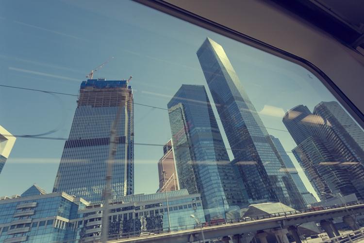 """В российском транспорте могут появиться окна-дисплеи"""""""