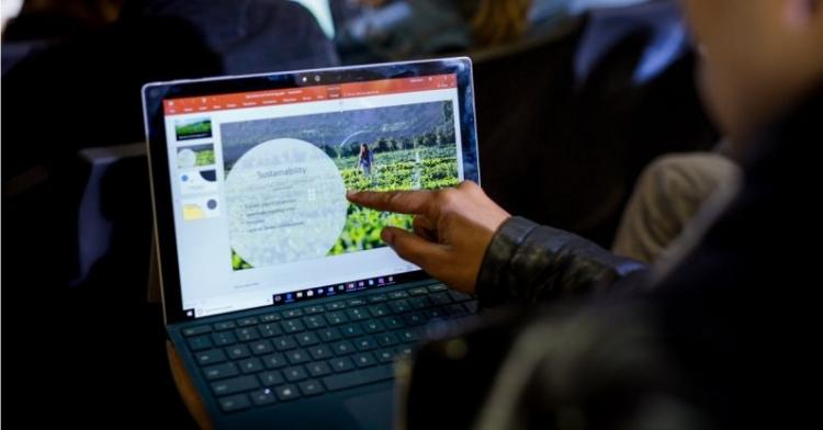"""В Германии запретили использование Microsoft Office 365 в школах"""""""