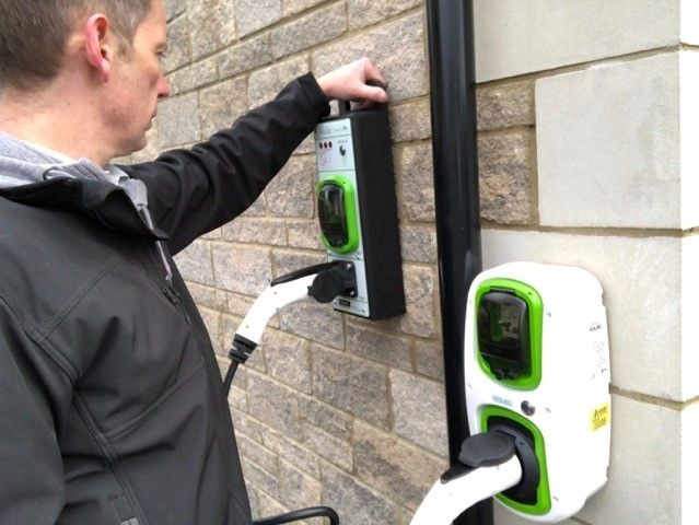 """В Великобритании хотят оборудовать все строящиеся дома пунктами зарядки электромобилей"""""""