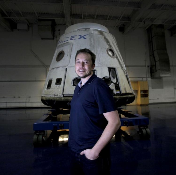 """Илон Маск: космический корабль SpaceX сможет совершить посадку на Луну к 2021 году"""""""