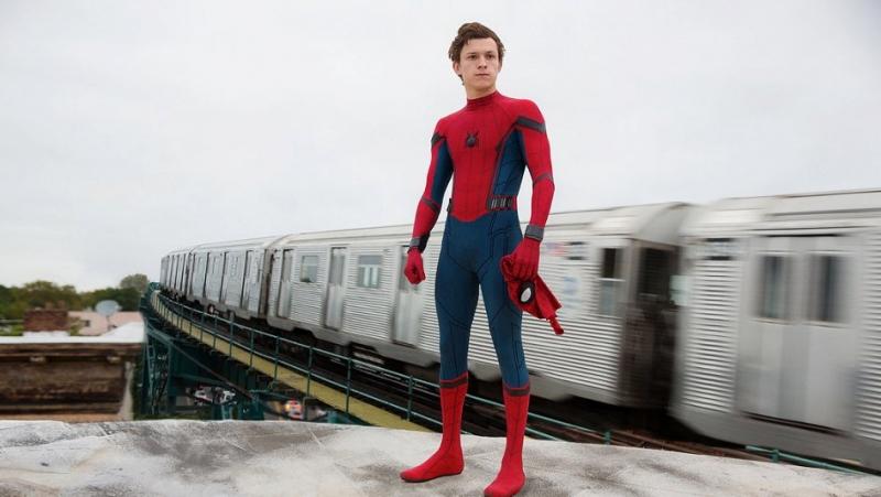 Человек-паук впервый раз собрал млрд. долларов