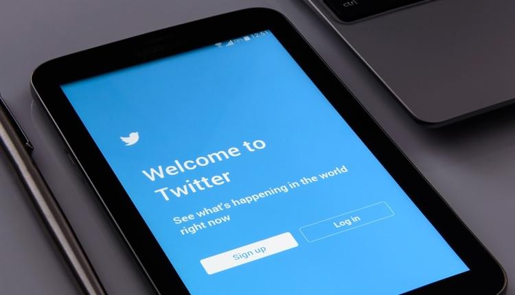 """Суточная аудитория активных пользователей Twitter за год выросла на 14 %"""""""