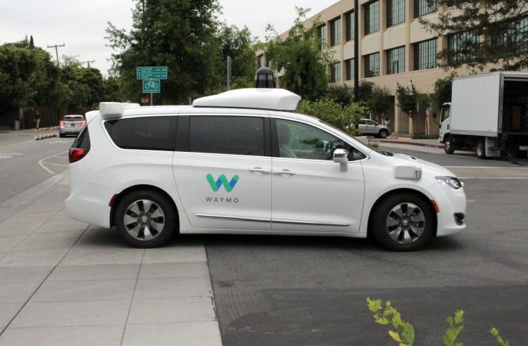 """Waymo использует эволюционную конкуренцию для совершенствования самоуправляемых автомобилей"""""""