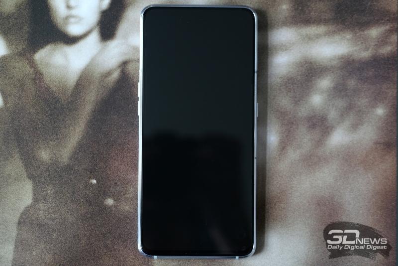 Samsung Galaxy A80, лицевая панель: почти полностью занята экраном, под которым разместился и пьезоэлемент (разговорный «динамик»), и сканер отпечатков