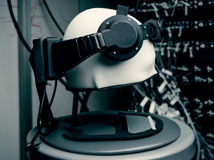 Ранний образец носимого устройства для связи между мозгом человека и компьютером без инвазивных методов