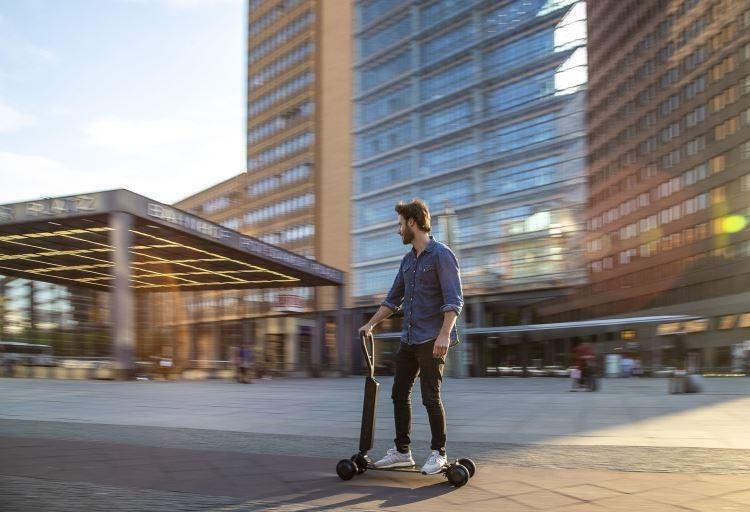 """Audi представила электрический самокат e-Tron Scooter с запасом хода в 20 км"""""""