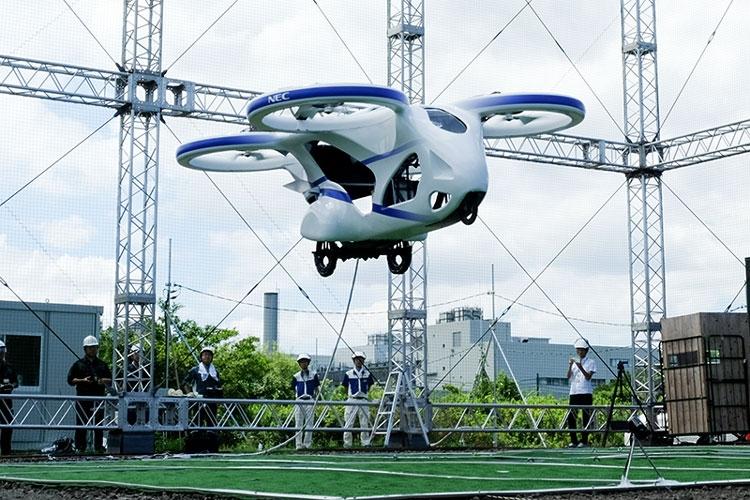 """NEC подняла в небо прототип летающего автомобиля"""""""