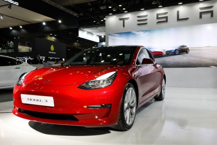 "Регулятор взял в оборот Tesla из-за хвастовства по поводу высокой безопасности Model 3"""