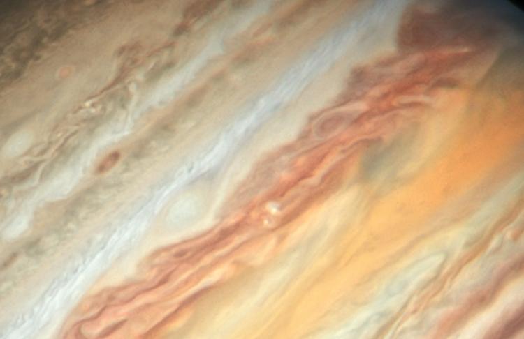 """Фото дня: новый взгляд «Хаббла» на Юпитер и его Большое красное пятно"""""""