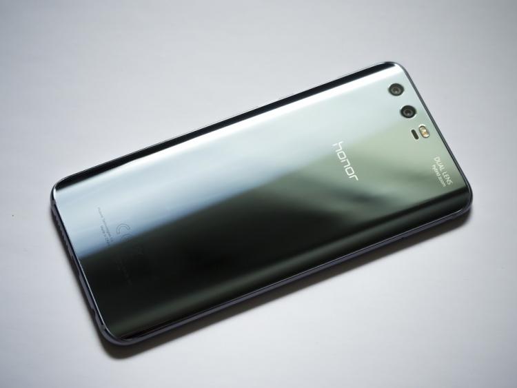 """Huawei и «Яндекс» обсуждают добавление«Алисы» в смартфоны китайской компании"""""""